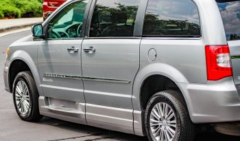 2014 Chrysler Town and Country – BraunAbility full
