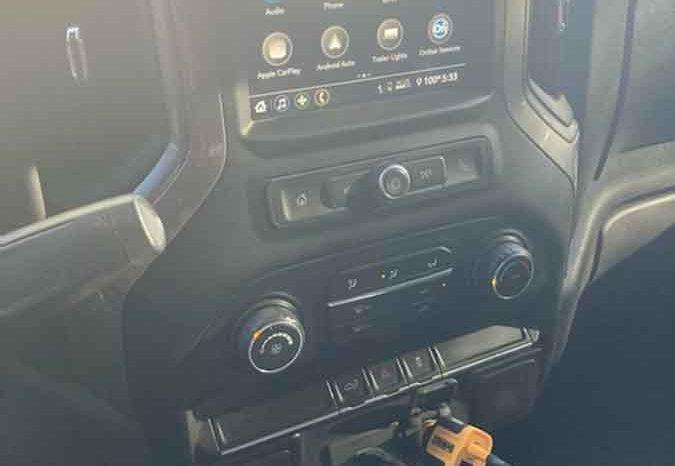 2019 Chevrolet Silverado 1500 4WD Crew Cab Custom full