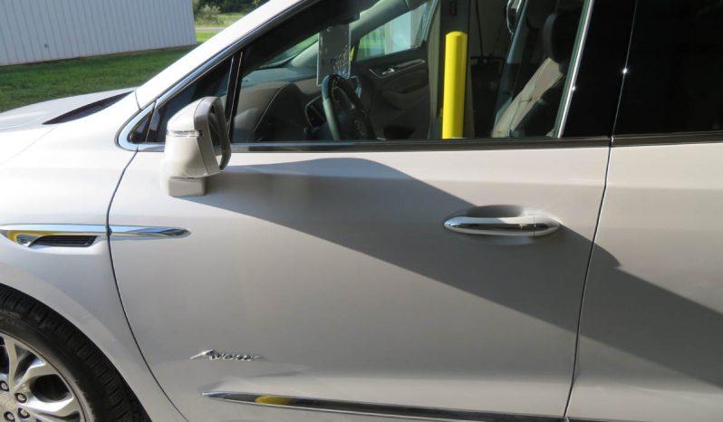 2019 Buick Enclave FWD 4dr Avenir full